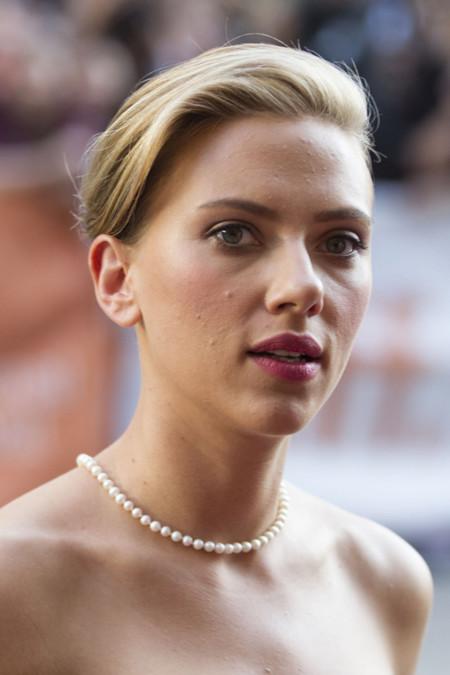Scarlett Johansson look